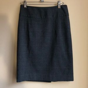 Banana Republic Factory Skirts - Banana Republic Factory Gray Plaid Pencil Skirt